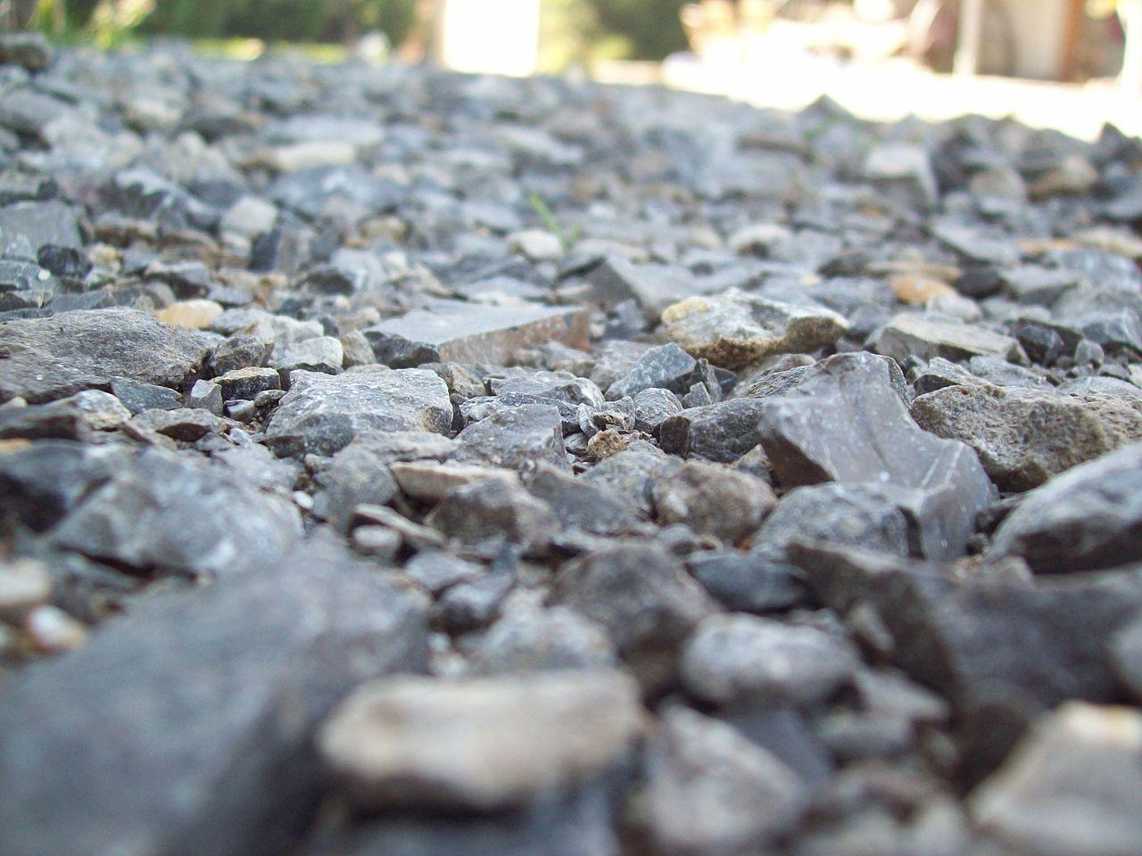 Żwir i kamienie ozdobne do Twojego ogrodu