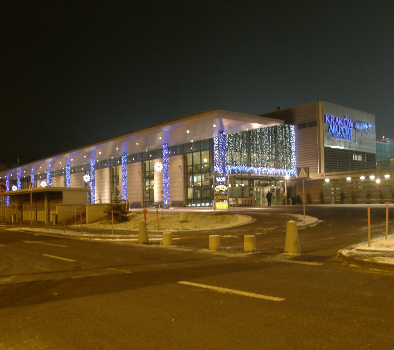 Jak dotrzeć na lotnisko Balice? 5 możliwości